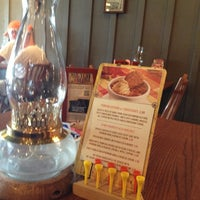 Photo taken at Cracker Barrel Old Country Store by Elizabeth E. on 10/26/2012