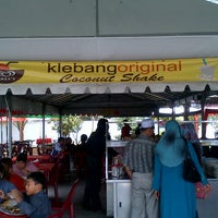 Photo taken at Klebang Original Coconut Milk Shake by Abas O. on 2/7/2013