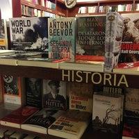 Foto tomada en Libreria Communitas por Pao M. el 5/22/2013