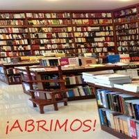 Foto tomada en Libreria Communitas por Pao M. el 3/8/2013