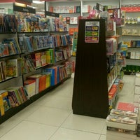 Photo taken at Popular Bookstore by miss m. on 7/6/2016