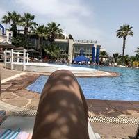 Photo taken at İsis Hotel Pool by TuğçeM on 5/5/2018