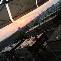 Das Foto wurde bei Shababik Restaurant von Heba K. am 10/24/2014 aufgenommen