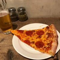 Photo taken at PIZZA SLICE 2 by オ ギ. on 2/2/2018