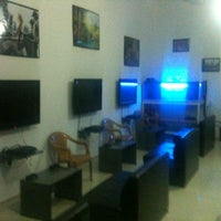 Photo taken at İstanblue Ps3 by Korhan E. on 6/19/2013