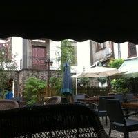 7/21/2013 tarihinde Selma çiçekziyaretçi tarafından Bachçe Cafe'de çekilen fotoğraf