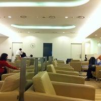 Photo taken at Korean Air Lounge by Remedios L. on 10/25/2012