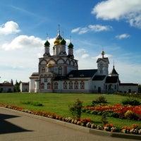 Photo taken at Троице-Сергиев Варницкий монастырь by Dmitri on 8/14/2016