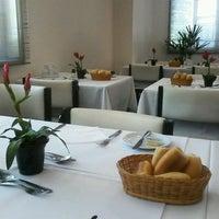 Foto tirada no(a) Normandie Restaurante por Michelle L. em 1/14/2014