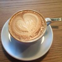 Das Foto wurde bei Kaffeeküche von Anastasiya T. am 9/8/2017 aufgenommen