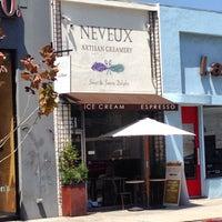 Foto tomada en Neveux Artisan Creamery & Espresso Bar por Glitterati Tours el 5/30/2014