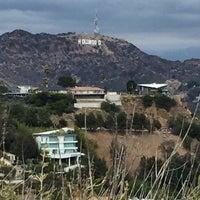 Снимок сделан в Hollywood Hills пользователем Glitterati Tours 5/23/2015