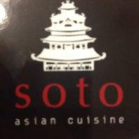 Foto tomada en Soto Asian Cuisine por Larissa L. Hostin el 5/10/2014