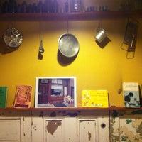 Foto tirada no(a) Arleta Library Bakery Cafe por Kevin C. em 3/25/2013