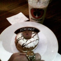 Photo taken at J.Co Donuts & Coffee by Ferry E. on 10/23/2015