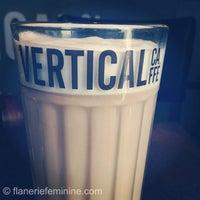2/4/2013 tarihinde flânerie f.ziyaretçi tarafından Vertical Caffé'de çekilen fotoğraf