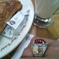 Photo taken at The Coffee Bean & Tea Leaf by Ferry E. on 8/19/2015
