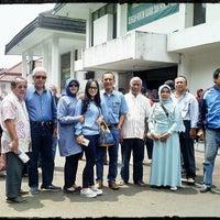 Photo taken at Pengadilan Negeri Bandung by Ferry E. on 2/25/2015