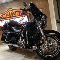 Foto tirada no(a) Autostar (Harley Davidson) por THICO S. em 7/1/2013
