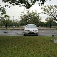 Photo taken at Parking Kompleks Sukan Likas by Bros™ on 10/1/2015