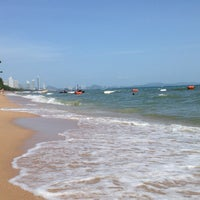 Photo taken at Dongtan Beach by Роман  on 7/18/2013