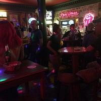 10/3/2014 tarihinde Kıvanç A.ziyaretçi tarafından Road House Bar'de çekilen fotoğraf