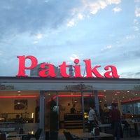 Das Foto wurde bei Patika Cafe & Bistro von Nevzat am 7/17/2013 aufgenommen