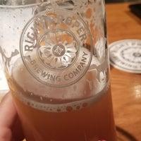 Das Foto wurde bei Right Proper Brewing Company von Michelle C. am 4/12/2018 aufgenommen