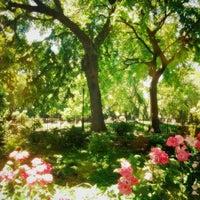 Das Foto wurde bei Tompkins Square Park von Linda H. am 6/4/2013 aufgenommen
