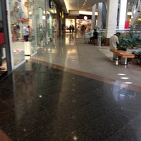 Photo taken at Recreio Shopping by Thamy D. on 7/13/2013