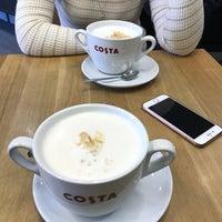 2/28/2018 tarihinde Marina K.ziyaretçi tarafından Costa Coffee'de çekilen fotoğraf