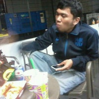 Photo taken at 7-Eleven by Hilman Nizar D. on 2/2/2013