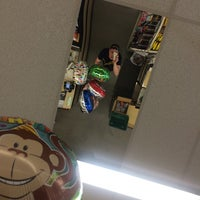 Photo taken at Dollar Tree by ℳăttℎℇⓌ ♔. on 3/22/2014