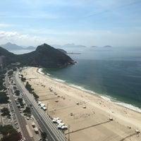 Foto tirada no(a) Hilton Copacabana por Nina B. em 3/2/2018