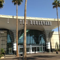 Foto tomada en Boulevard Mall por Lis X. el 3/22/2013
