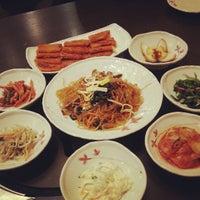 Photo taken at Han Sang Korean Charcoal BBQ by WeiJie on 3/25/2013