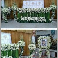 Photo taken at Wat Noi Nai by Pong K. on 4/7/2013