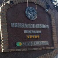 2/18/2013 tarihinde Ayhan G.ziyaretçi tarafından Presa Di Finica Hotel & Suites'de çekilen fotoğraf