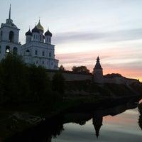 Снимок сделан в Псковский Кром (Кремль) / Pskov Krom (Kremlin) пользователем Alexandr K. 2/23/2013