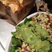 Foto tomada en Chipotle Mexican Grill por Marnie M. el 12/18/2012