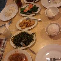 Photo taken at D'Cost Seafood by Emillia P. on 12/18/2013
