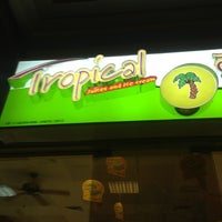 Photo taken at Tropical Juices & Ice Cream by Volkan D. on 7/25/2013