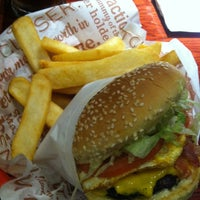 Photo taken at Red Robin Gourmet Burgers by Kathy on 2/3/2013