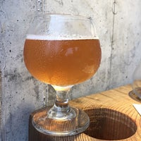 5/19/2017에 Dave R.님이 Haw River Farmhouse Ales에서 찍은 사진