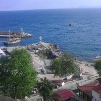 4/16/2013 tarihinde Hüseyin T.ziyaretçi tarafından Yat Limanı'de çekilen fotoğraf