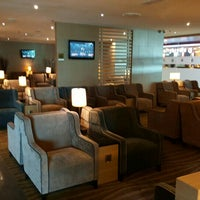 Photo taken at Plaza Premium Lounge, Domestic by Bart P. on 4/13/2016