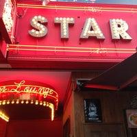 Foto tomada en Star Lounge por JAKU 雀. el 2/24/2013
