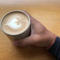 8/2/2018 tarihinde มีคาห์ ไ.ziyaretçi tarafından General Porpoise Coffee & Doughnuts'de çekilen fotoğraf