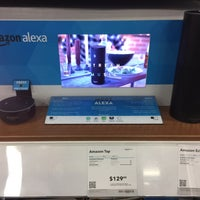 Photo taken at Best Buy by Andreas S. on 11/13/2016