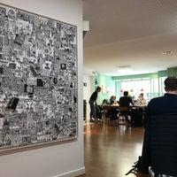 4/5/2017 tarihinde Andreas S.ziyaretçi tarafından Coco COFFICE Coworking Café'de çekilen fotoğraf